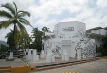 Secuestran a presuntos criminales en Puerto Vallarta